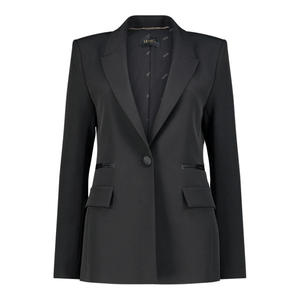 Fitted notched lapel blazer