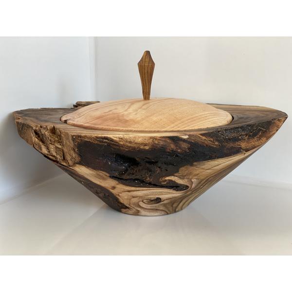 Holz Dose aus Essigbaum Wurzel