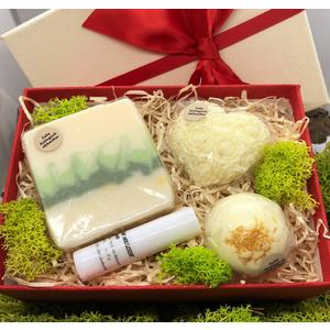 Geschenkbox Zitrone klein - verschiedene handgemachte Naturkosmetikartikel aus natürlichen Rohstoffen mit Zitronenduft
