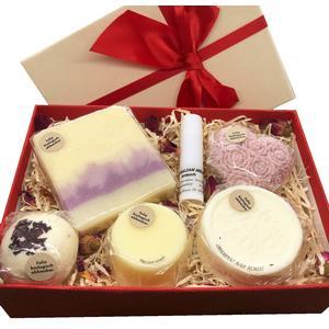 Geschenkbox Rose mittel - verschiedene handgemachte Naturkosmetikartikel aus natürlichen Rohstoffen mit Rosenduft