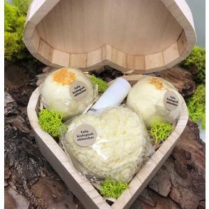 """Geschenkbox Zitrone """"Herz"""" - verschiedene handgemachte Naturkosmetikartikel aus natürlichen Rohstoffen mit Zitronenduft"""