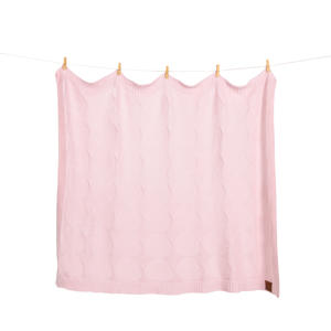 "Gestrickte Babydecke ""Mon bébé"" in rosa in Geschenkverpackung - Geschenkidee Weihnachtsgeschenk"