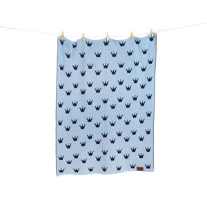 "Gestrickte Babydecke ""Le Petit Prince"" - Edition blau in Geschenkverpackung - Geschenkidee"