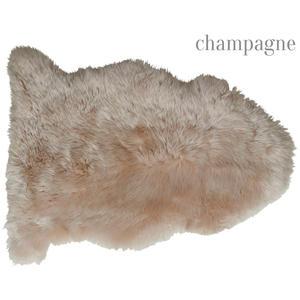 Dekolammfell-ungeschoren-champagne