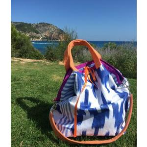 Handgenähte Badetasche Mallorca aus handgewebtem IKAT