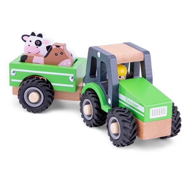 Traktor mit Viehanhänger und Tieren