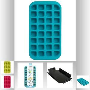 Eiswürfelform aus Silikon mit Tablett