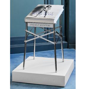 Helmut Newton-Baby Sumo Collector's Edition mit Philippe Starck Buchständer