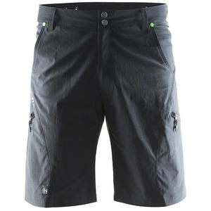 In The Zone Shorts - black