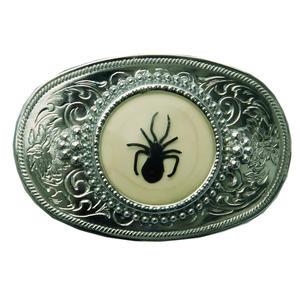 Gürtelschnalle graviert mit schwarzer Spinne