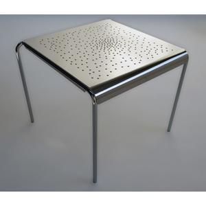 Edler, verchromter Edelstahl Inndoor Tisch