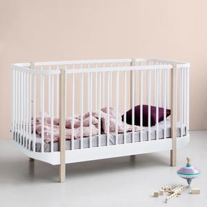 Baby und Kinderbett aus der Wood Collection von Oliver Furniture in weiß/Eiche