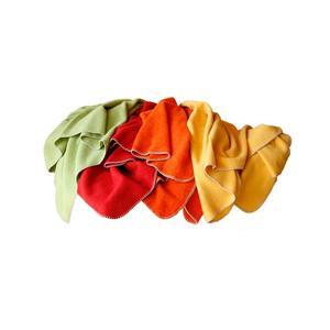 'Kuscheldecke ''Warm Up'' in der Farbe Orange'