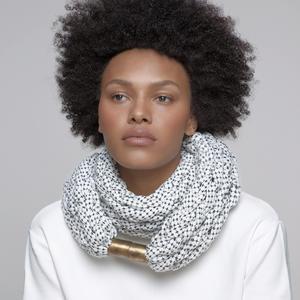 Designer Schal mit Metallverschluss Weiß, Damen, DAYO