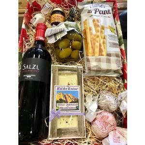 Geschenkskorb Wein mit Feinkost
